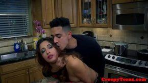 Porno cu turci sex in bucatarie