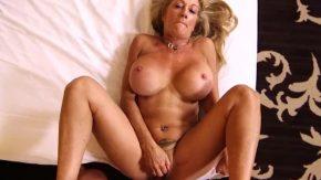 Porno cu mature care au sani mari si rotunzi
