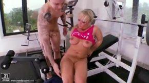 Porno roman care fute pe una blonda in elvetia