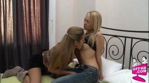 Scene de sex si sarutari cu doua femei dragute